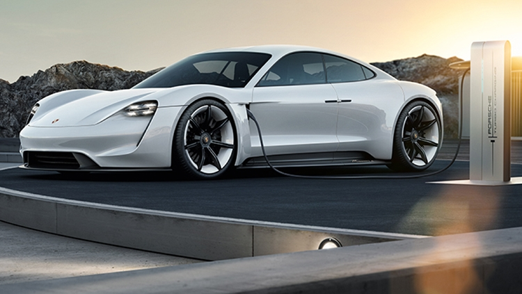 Photo of Porsche Taycan: электрокар Mission E обрёл официальное имя»