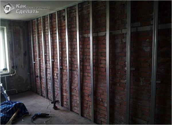 Как крепить гипсокартон к стене - на каркас и клей