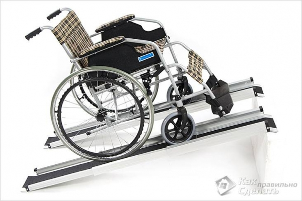 Как сделать пандус своими руками для коляски - в подъезде +фото