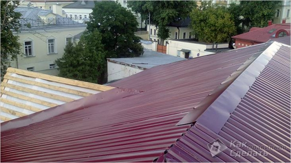 Как покрыть крышу профнастилом своими руками - изготовление кровли из профнастила + фото