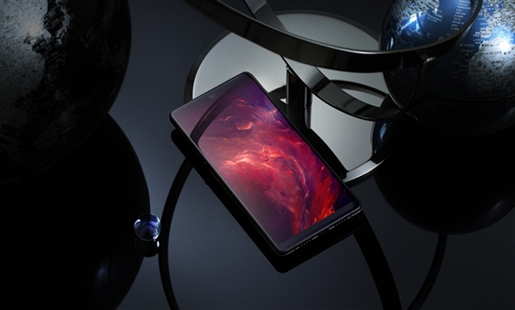 Smartisan R1: первый в мире смартфон с 1 Тбайт памяти»